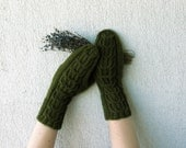 Dark green Hand-knitted Cabled Mittens - mareshop