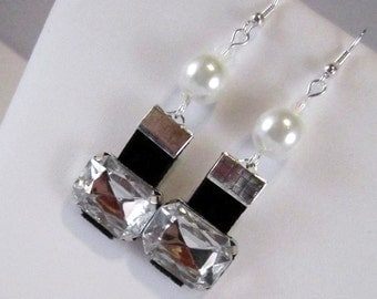 Hollywood Bling White Glass Pearls, Crystals & Black Velvet Earrings
