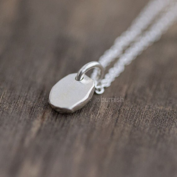 Tiny Silver Pebble Necklace / Simple Silver Necklace / Sterling Silver Everyday Jewelry