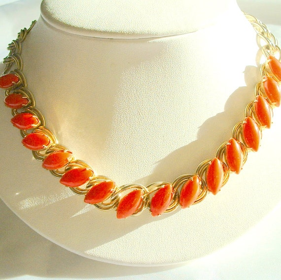 Vintage 1950's Red Marquis Cabochon Necklace