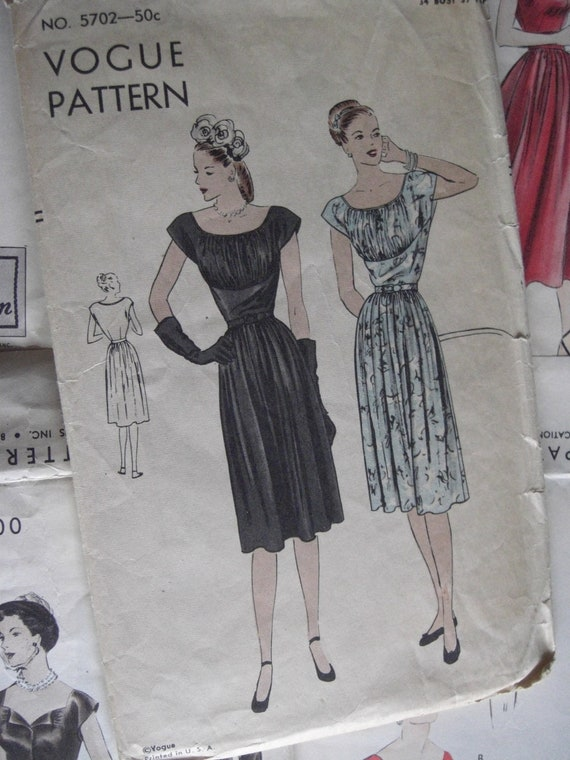 Vintage Sewing Pattern 1940s Classic Vogue Gathered Dress