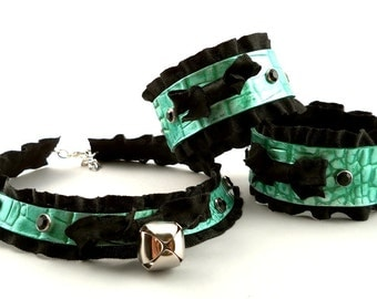 Fairy Green Leather Black Ruffle Ribbon and Bell Onyx Crystals Collar Choker Necklace and Cuff Bracelets Goth Kawaii Cosplay Lolita