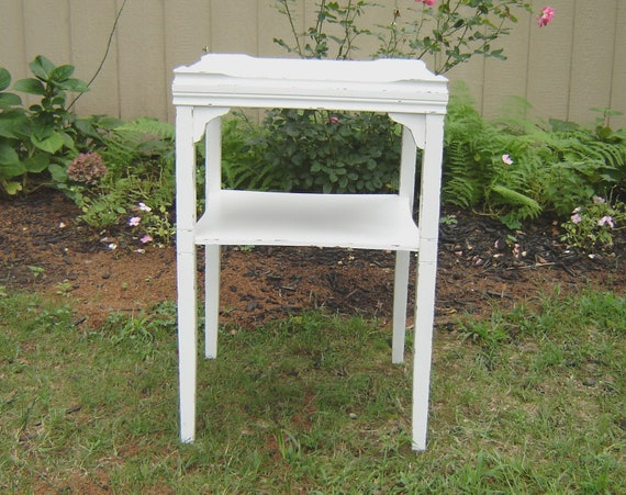 White shabby chic furniture square table - White shabby chic furniture ...