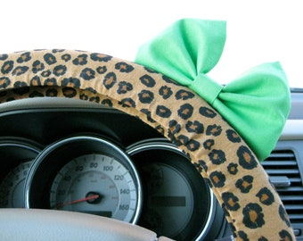 Steering Wheel Cover Bow, Cheetah Steering Wheel Cover with Minty Lime Green Bow BF11096
