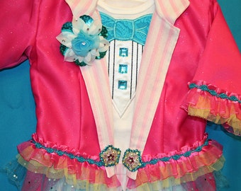 5 piece Girls Circus Ringmaster Costume JACKET, Tuxedo T-shirt, CAPRIS, Boutenniere and Top Hat - Birthday Carnival Circus Pageant Wedding