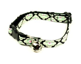 Cat Collar - Green Petals
