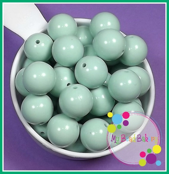 10 Pieces 20mm Pale Mint Green Acrylic Gumball Style Beads DIY Crafts For Chunky Necklaces And Bracelets
