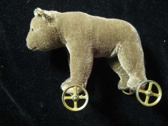 Vintage Margaret Steiff Bear On Wheels