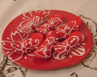6 Ceramic Spoon / Chopsticks Rests and a Plate, Red - Pinched Form
