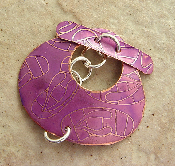"Etched Copper Toggle Clasp, Orchid Purple FlipFlops Pattern, 1.5"" x 1.5"", Triangle"
