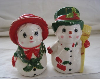 Vintage Lefton Christmas salt and Pepper Snowman Couple