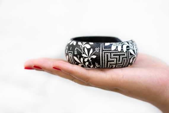 Black White Bangle, Floral Geometric Bracelet, BW flowers, autumn jewelry ohtteam