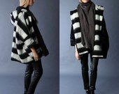 Reversible Coat winter coat hooded coat black white stripped white coat wool long sleeves with pockets  free size 60% WOOL  (FM181)