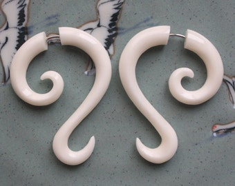 Hand Carved Fake Gauges - LUNETTE - Natural White Bone - Tribal Style Curl Earrings
