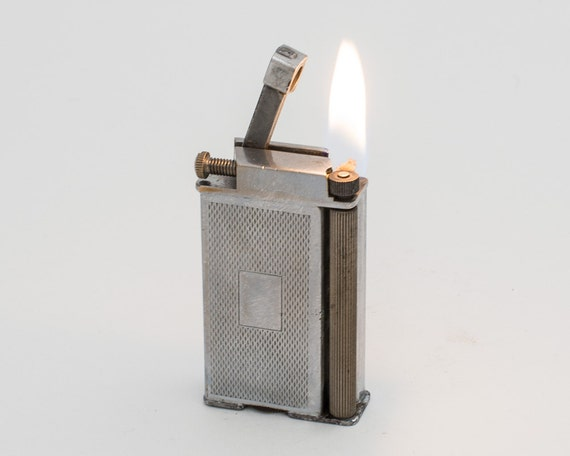 Working 1930s Tall British Roller Style Arm Lift Pocket Lighter
