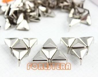 400Pcs 10mm Silver Triangle Studs Metal Studs (ST10)