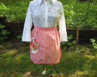 Red & white check apron