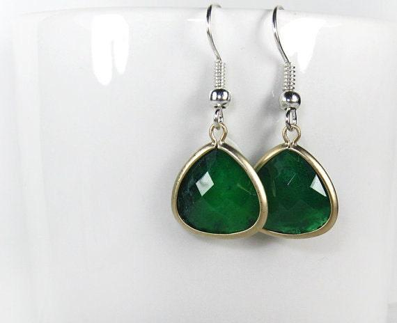 Silver earrings. Green Lucite Teardrop Earrings in Silver. Wedding Gift. Bridal Jewelry. Gift for Her.