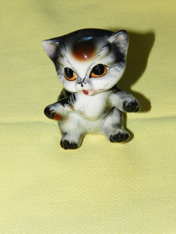 Vintage / Antique Brinnco Porcelain Kitty Figurine