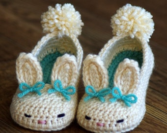 CROCHET PATTERN #214 Toddler Bunny Slippers- The Classic Year-Round Bunny Slipper- Childrens shoe Sizes 4 - 9 - Instant Download kc550