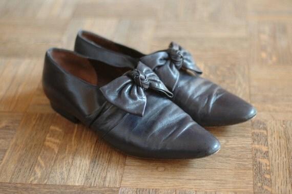 20% OFF Sale / vintage navy blue bow shoes / size 10