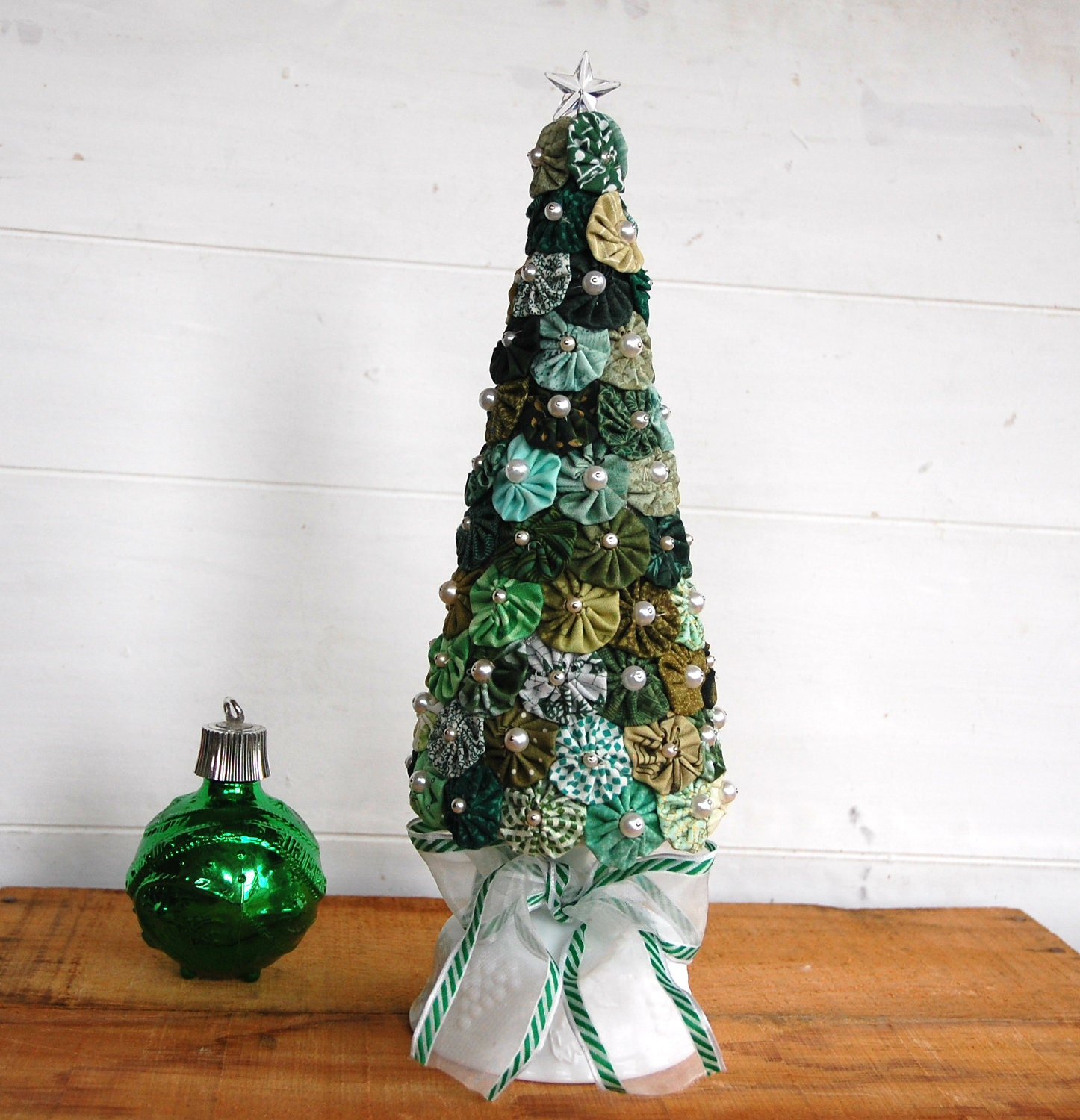 christmas tree made with fabric yo yos by cheryl12108 on etsy