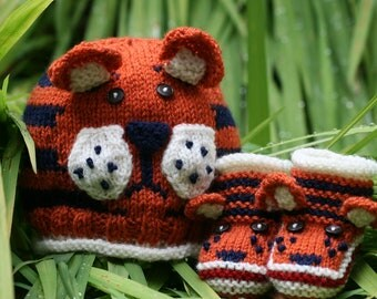 BABY KNITTING PATTERN in pdf - Tiger Paws - Baby Hat and Booties