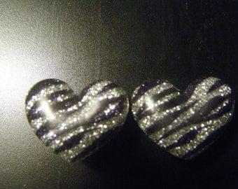 00 Gauge Zebra Heart Plugs