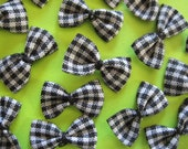 Black and White Plaid Fabric Bows for Sewing, Crafting,  Baby Doll Clothing, Scrapbook Embellishment, 1 inch/ 25 mm, 30 pieces
