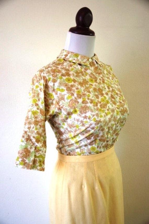Vintage 1960s Peter Pan Collar Floral Spring Blouse
