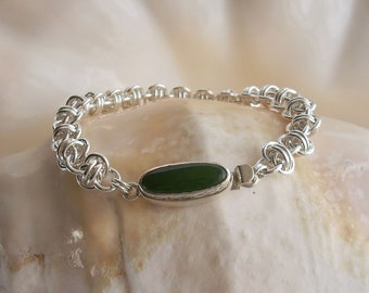 Handmade Chainmaille Bracelet: Jade Box Clasp with Argentium Sterling Silver Rings