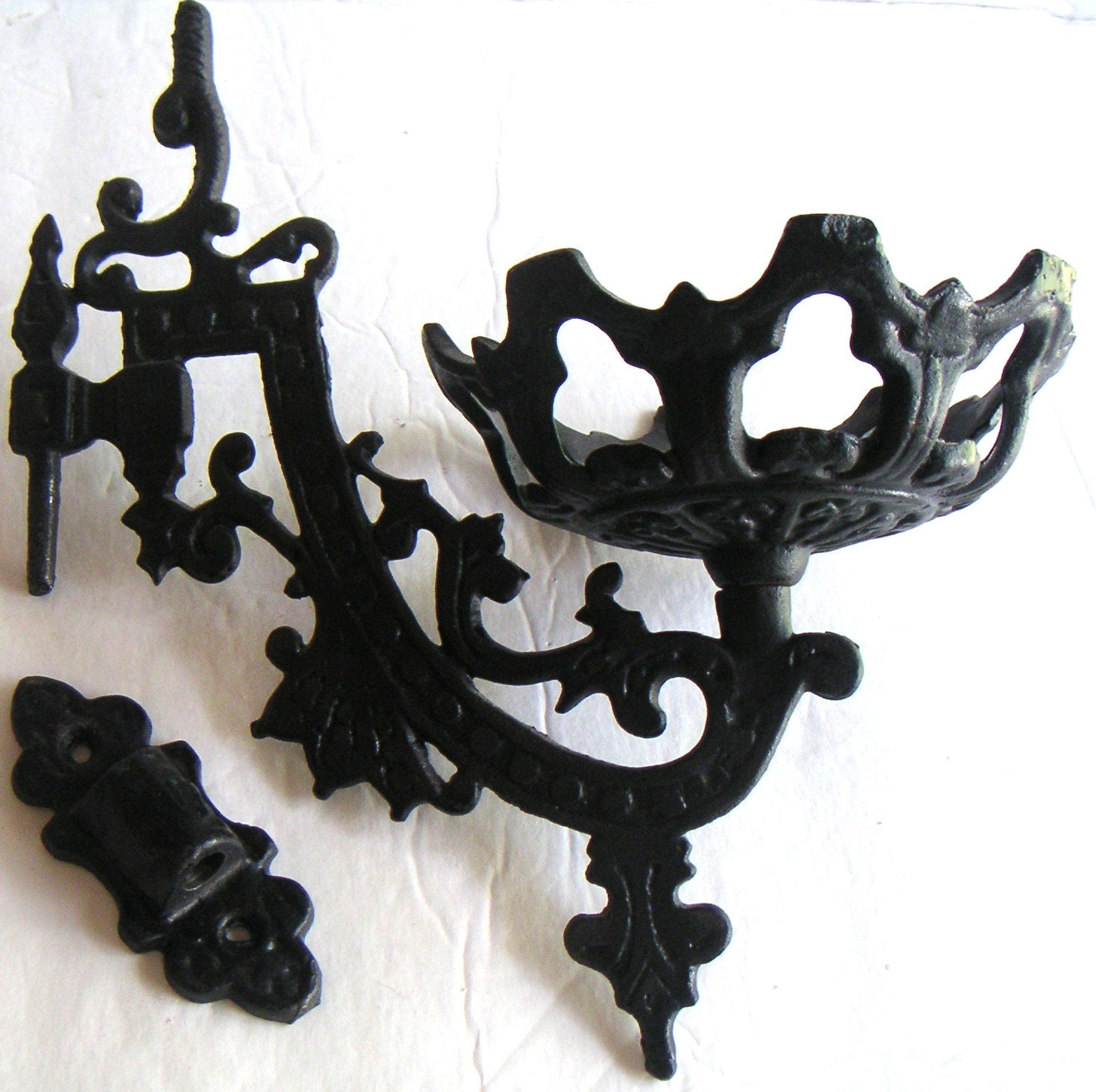 Iron Candle Holder Wall Sconce : Vintage Cast Iron Wall Sconce for Oil Kerosene Lamp/Candle
