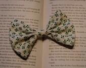 Mistletoe Bow