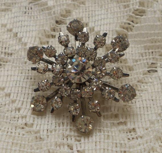 Vintage Rhinestone Snowflake Brooch/Pin