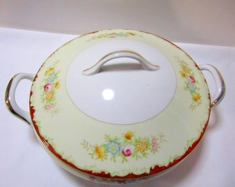 REDUCED - Vintage Casserole Dish with Lid, Made in post war Japan