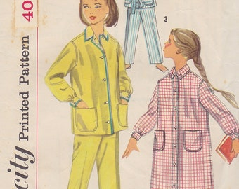 1957 Girls Pajamas or Nightshirt Vintage Pattern, Simplicity 2253, Shirt Tailored, Slumber Party, Patch Pockets, Long or Short Sleeves