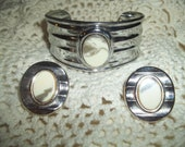 1988 Avon Stonescape Faux Ombre Jasper Cuff Bracelet With Matching Clip-on Earrings Signed