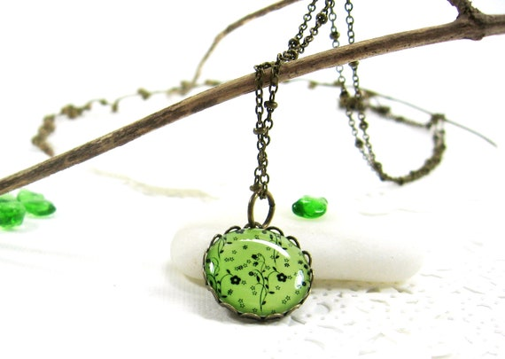 Black Flowers on Green Necklace(316) - FREE WORLDWIDE SHIPPING