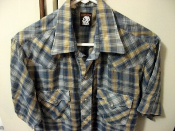 Vintage Mens Western Shirt by Karman Pearl Snaps and Front Pockets Size Large ONLY 8 USD