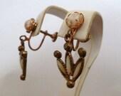 Vintage 50's Confetti Art Glass Screw Back Earrings