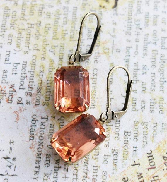 Peach Glass Earrings. Vintage Peach Rhinestones Earrings, Sparkly, Romantic, Bridesmaids Earrings. Fall. Wedding. Estate Earrings