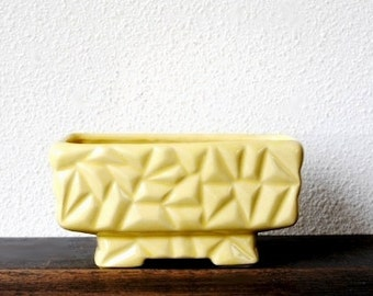 Yellow Ware Brush Pottery Planter Box, Early Ribbed Beehive Zigzag Footed Collectible Decor