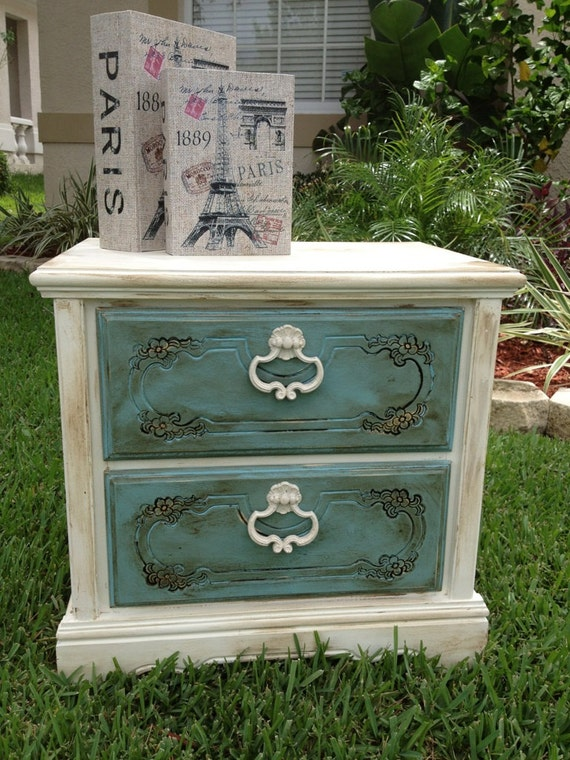 shabby chic chalk paint nightstand end by. Black Bedroom Furniture Sets. Home Design Ideas
