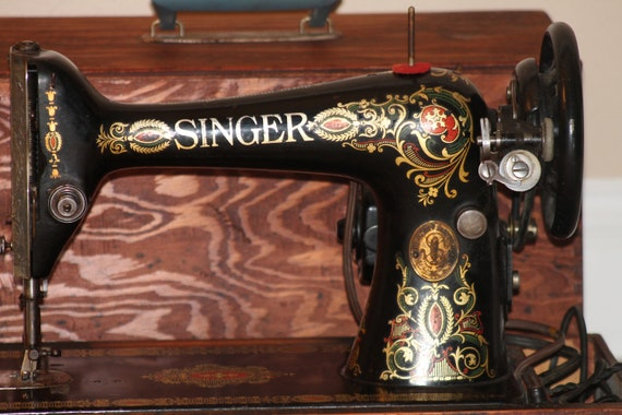 Antique Singer Sewing Machine Red Eye (1915) Portable / Electric / WORKING with Wood Case