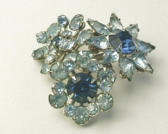 Vintage Old Hollywood Glamour Brooch Sapphire & Sky Blue Rhinestone Flower Mid Century Costume Jewelry Pin