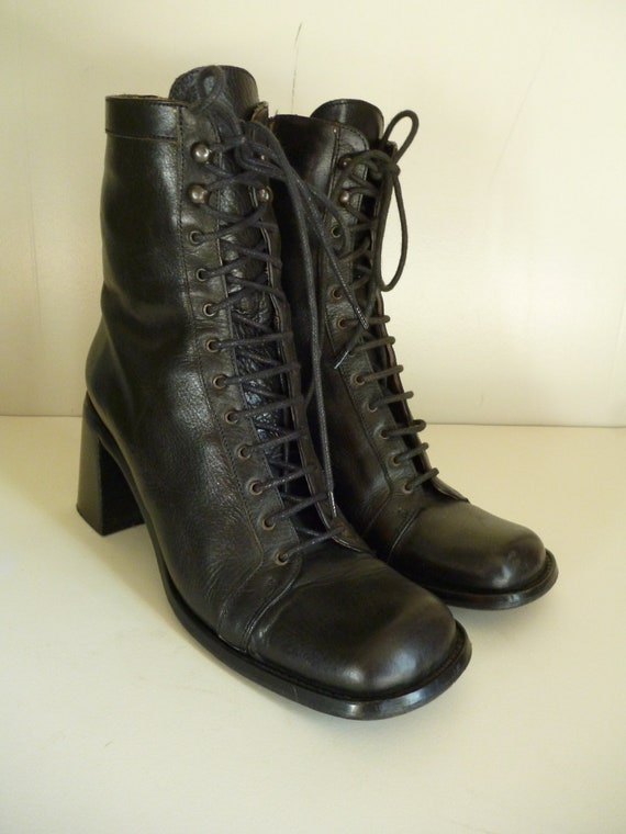 Size 7 / Raffaella Venturini boots / Made in Italy/ Black Lace up Leather Boots / 90s / grunge/ Grannie