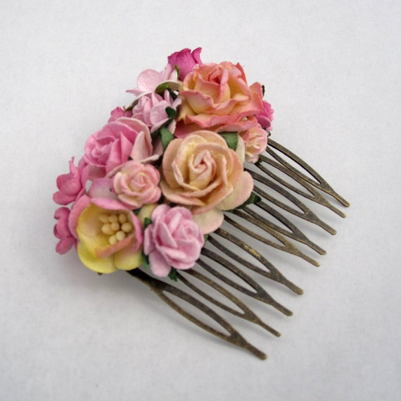 Pink Floral Hair Comb. Floral Fascinator. Vintage. Wedding Party Haircomb. Bridal Accessory. Holiday Party Accessory. Bridesmaid Accessory