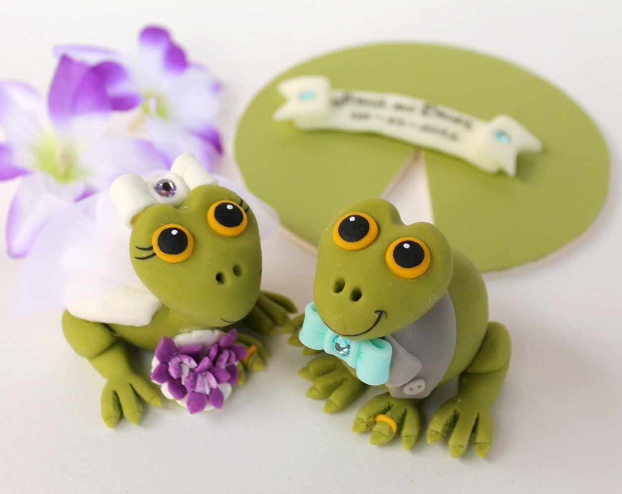 frog wedding cake toppers custom frog wedding cake topper with base and by perlillapets 14499