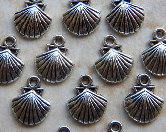 14X11mm Antique Silver Scallop Shell Charm Pendants, 12 PC (INDOC2475)