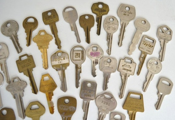 Keys for Altered Art Projects, Jewelry Making, Lot of 31